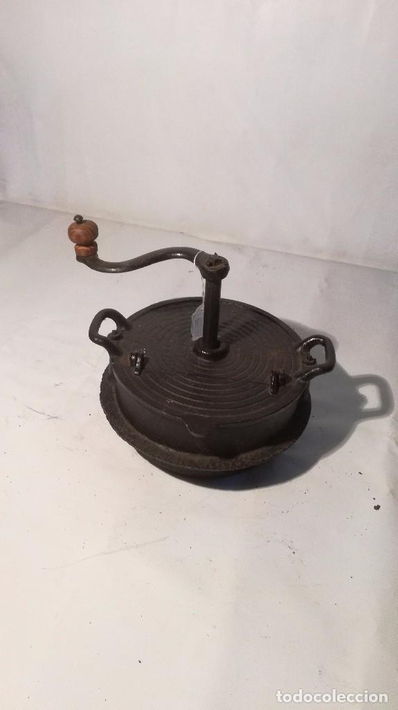 TOSTADOR DE CAFE EN HIERRO (Antigüedades - Técnicas - Rústicas - Utensilios del Hogar)