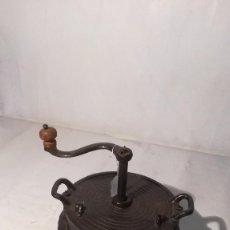 Antigüedades: TOSTADOR DE CAFE EN HIERRO. Lote 91458875