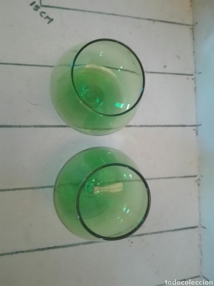 Antigüedades: Dos copas cristal verde y base transparente - Foto 4 - 91530608