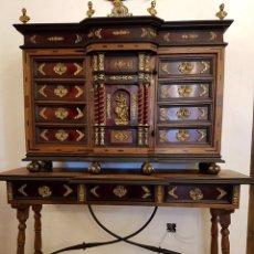 Antigüedades: EXCELENTE BARGUEÑO HISPANO-FLAMENCO DE CAREY Y MARQUETERÍA SIGLO XVIII. Lote 91547162