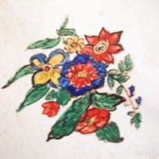 Antigüedades: ANTIGUO AZULEJO DE FLORES PINTADO A MANO NOMDEDEU. Lote 91566750