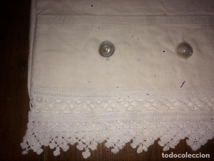 Antigüedades: Antiguo almhoadon / cojín / sábana de algodón bordado a mano años 20-30 con puntilla - Foto 6 - 91634800