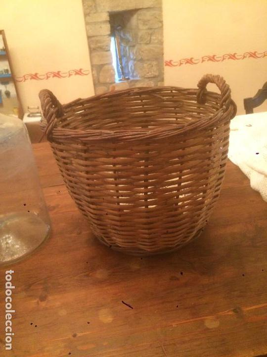 Antigüedades: Antiguo bote / tarro de cristal Catalán soplado a mano del siglo XIX con funda / cesta de mimbre - Foto 20 - 91636180