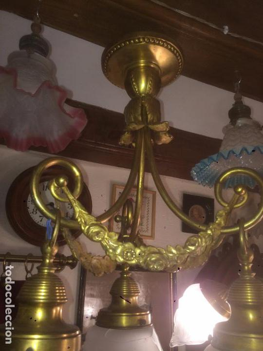 ANTIGUA LÁMPARA DE LATÓN MODERNISTA CON TULIPAS DE CRISTAL DE 3 BRAZOS DE LOS AÑOS 20-30 (Antigüedades - Iluminación - Lámparas Antiguas)
