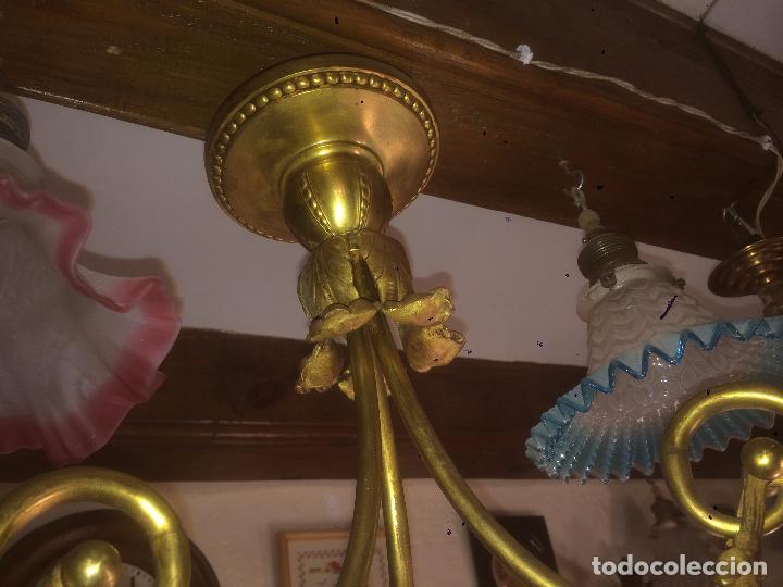 Antigüedades: Antigua lámpara de latón modernista con tulipas de cristal de 3 brazos de los años 20-30 - Foto 4 - 91642015