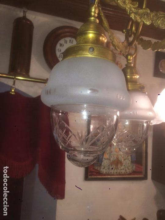 Antigüedades: Antigua lámpara de latón modernista con tulipas de cristal de 3 brazos de los años 20-30 - Foto 5 - 91642015
