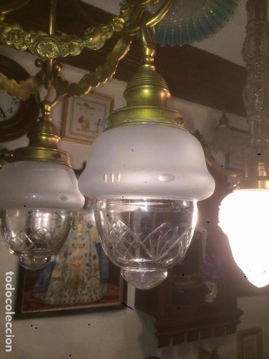 Antigüedades: Antigua lámpara de latón modernista con tulipas de cristal de 3 brazos de los años 20-30 - Foto 6 - 91642015