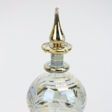 Antiquités: ANTIGUO PERFUMERO / FRASCO PARA PERFUME DE CRISTAL GRABADO - AÑOS 40-50 - MEDIDAS 6 X 6 X 15,5 CM. Lote 91721760