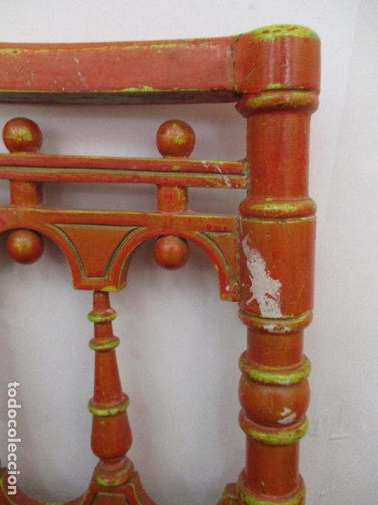 Antigüedades: Antigua Pareja de Sillas Rinconeras - Sillones - Madera Torneada y Policromada - Principios S. XIX - Foto 8 - 91731935