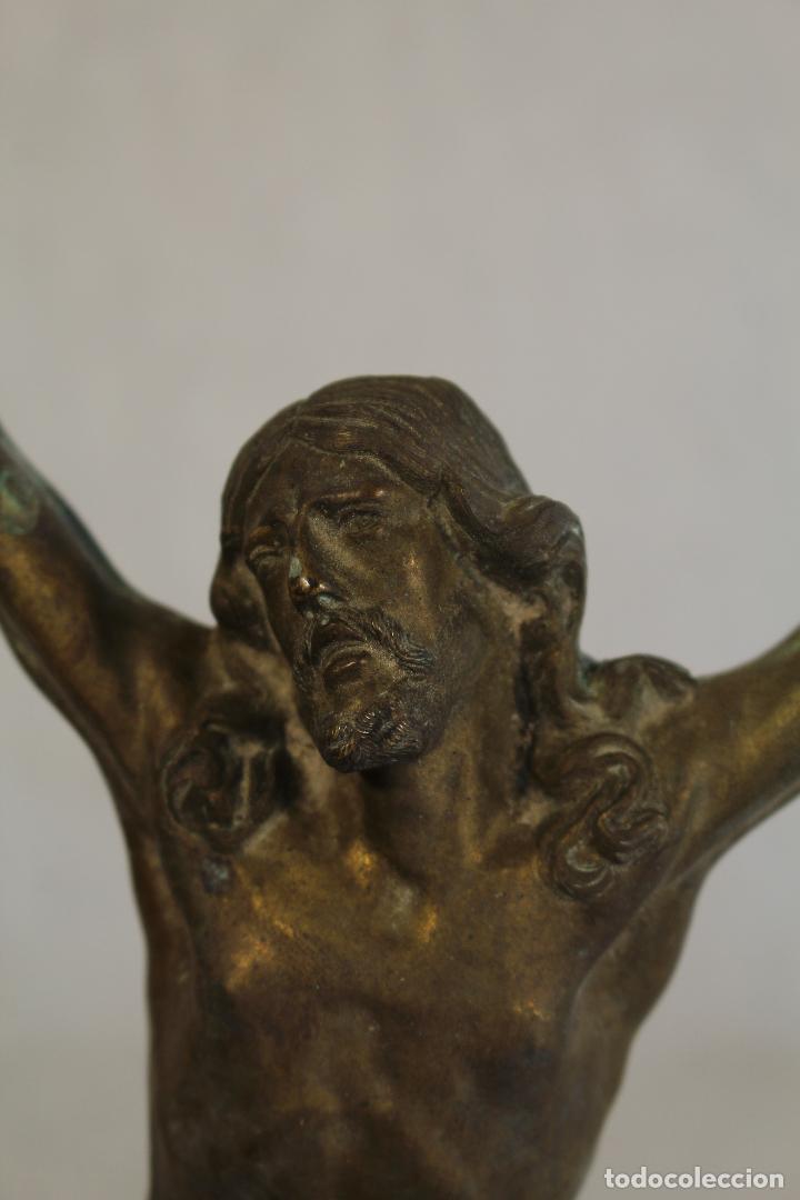 Antigüedades: cristo jesucristo crucificado antigo en bronce - Foto 3 - 118859415