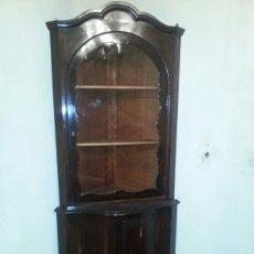 Antigüedades - Pareja de vitrinas rinconeras en caoba - 91825418