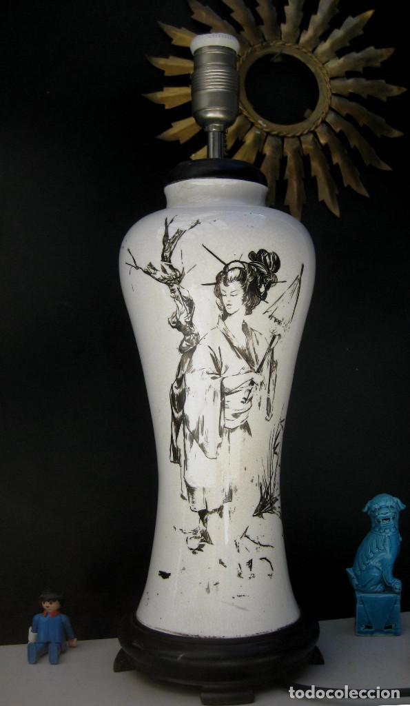 Antigüedades: ELEGANTE LAMPARA ANTIGUA EN CERAMICA Y MADERA CON ESCENA DE CHINA O JAPONESA PINTADA A MANO - Foto 7 - 91860210