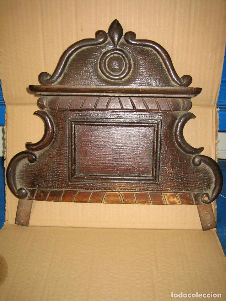 ANTIGUO TERMINAL DE MADERA. MEDIDAS 37 X 38 CM (Antigüedades - Muebles Antiguos - Repisas Antiguas)