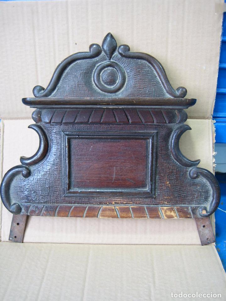 Antigüedades: Antiguo terminal de madera. Medidas 37 x 38 cm - Foto 2 - 91993345
