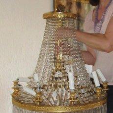 Antigüedades: LÁMPARA DE BRONCE DORADO Y CRISTAL OVAL. Lote 91998370