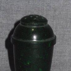 Antigüedades: SALERO DE BAQUELITA VERDE JASPEADO AÑOS 20. Lote 92040095