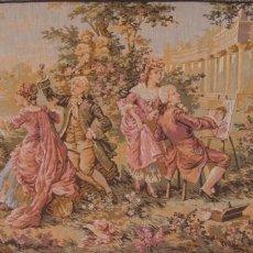 Antigüedades: TAPIZ FRANCÉS REPRESENTA VARIAS ESCENA ROMÁNTICA CORTESANA - BIEN CONSERVADO 148 X 72 CM - DE MUSEO. Lote 103962278