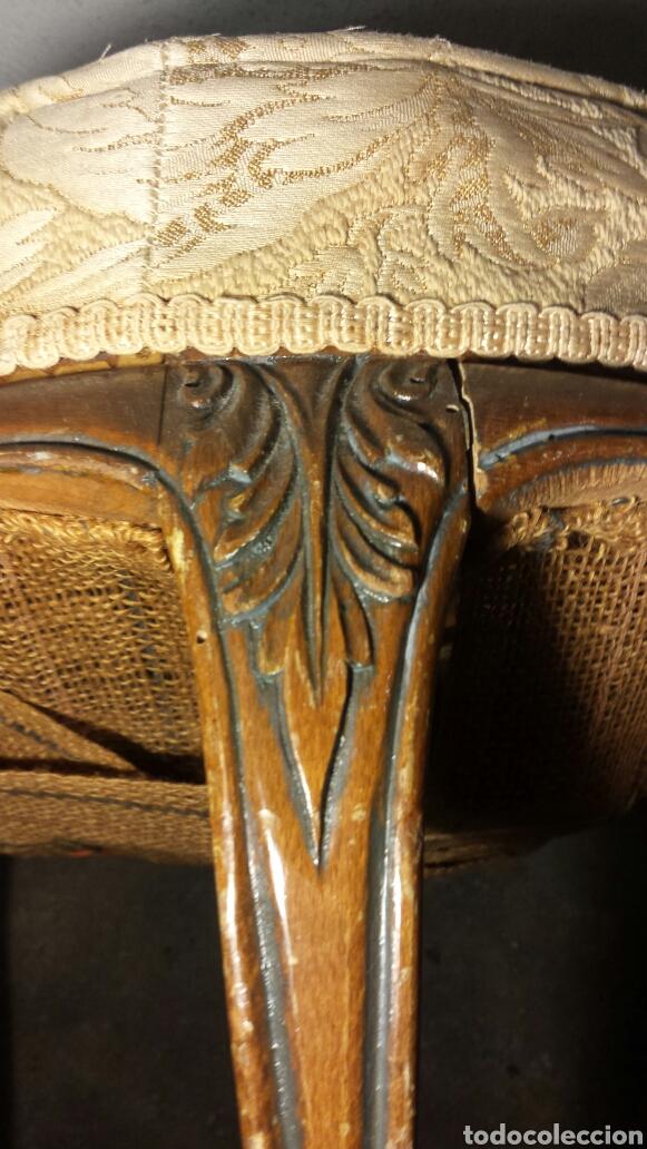 Antigüedades: Taburete tres patas antiguo tallado a mano tapizado original - Foto 5 - 92250318