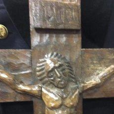 Antigüedades: ANTIGUO CRISTO CRUCIFIJO ESTILO ROMANICO TALLA DE MADERA - MEDIDA CRUZ 42X32 CM - RELIGIOSO. Lote 92282675