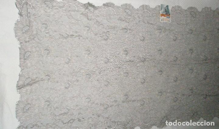 Antigüedades: MANTILLA ORIGINAL ANTIGUA ESPAÑOLA DISEÑO RECTANGULAR NUEVA Y CON ETIQUETA - Foto 6 - 92316875