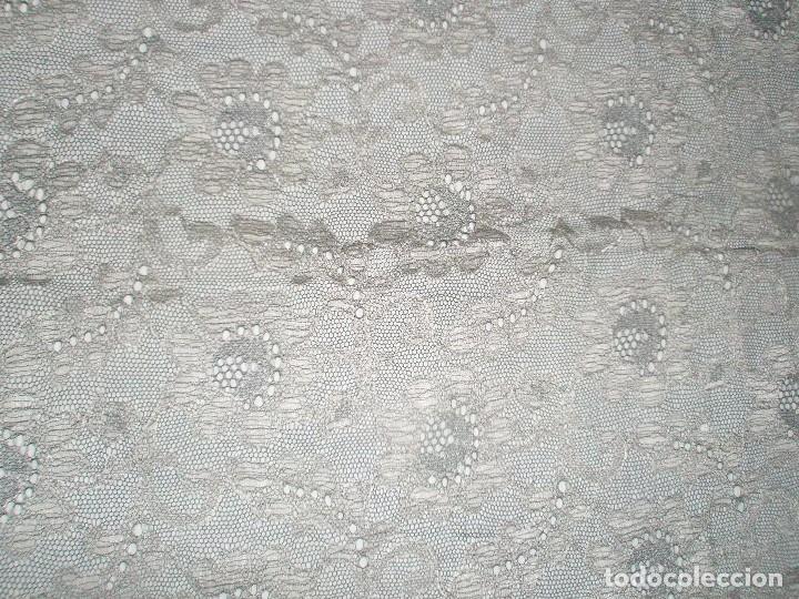 Antigüedades: MANTILLA ORIGINAL ANTIGUA ESPAÑOLA DISEÑO RECTANGULAR NUEVA Y CON ETIQUETA - Foto 8 - 92316875
