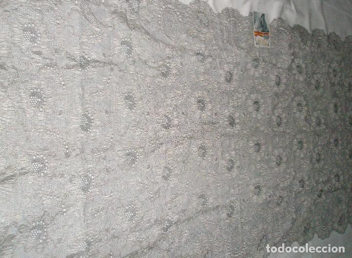 Antigüedades: MANTILLA ORIGINAL ANTIGUA ESPAÑOLA DISEÑO RECTANGULAR NUEVA Y CON ETIQUETA - Foto 9 - 92316875