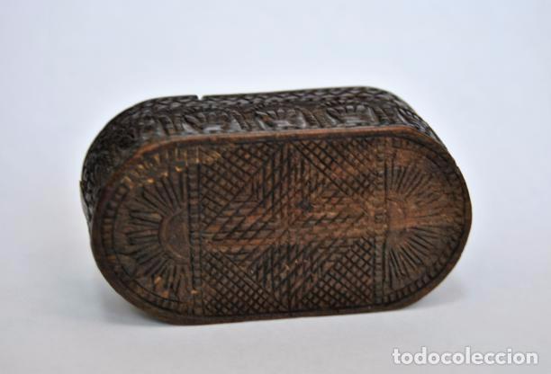 Antigüedades: ARTE PASTORIL- ANTIGUA CAJITA DE RAPE O CERILLAS, TALLADA A NAVAJA. SIGLO XIX - Foto 8 - 92395990