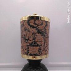 Antigüedades: CAJA CIGARRERA ANTIGUA ART DECÓ CON MÚSICA MOTIVOS DE MAPAMUNDI. Lote 92484415