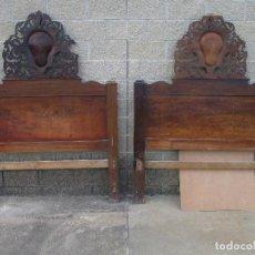 Antiquités: PAREJA DE CABEZALES DE CAMA - ISABELINOS - CABEZAL - MADERA DE NOGAL - BONITAS TARACEAS - S. XIX. Lote 136660630