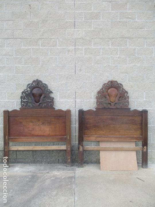 Antigüedades: Pareja de Cabezales de Cama - Isabelinos - Cabezal - Madera de Nogal - Bonitas Taraceas - S. XIX - Foto 2 - 136660630