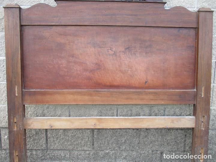 Antigüedades: Pareja de Cabezales de Cama - Isabelinos - Cabezal - Madera de Nogal - Bonitas Taraceas - S. XIX - Foto 10 - 136660630