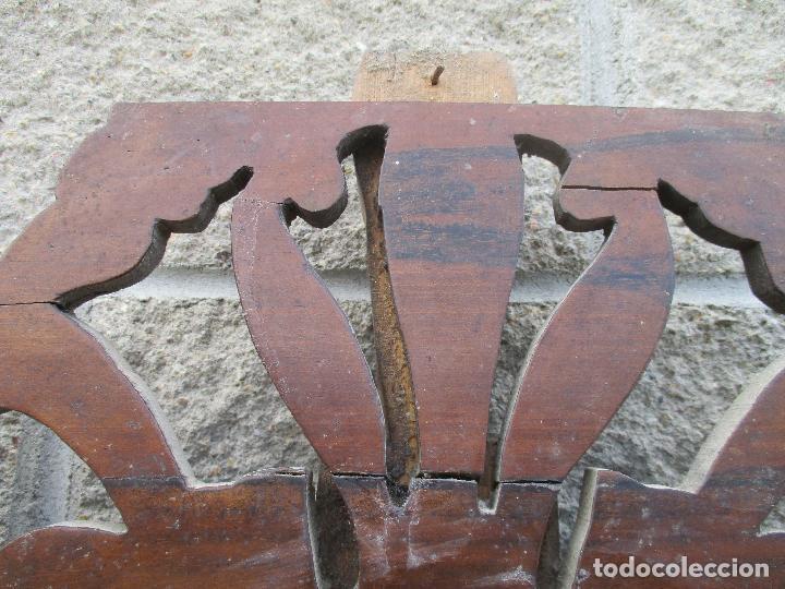 Antigüedades: Pareja de Cabezales de Cama - Isabelinos - Cabezal - Madera de Nogal - Bonitas Taraceas - S. XIX - Foto 20 - 136660630