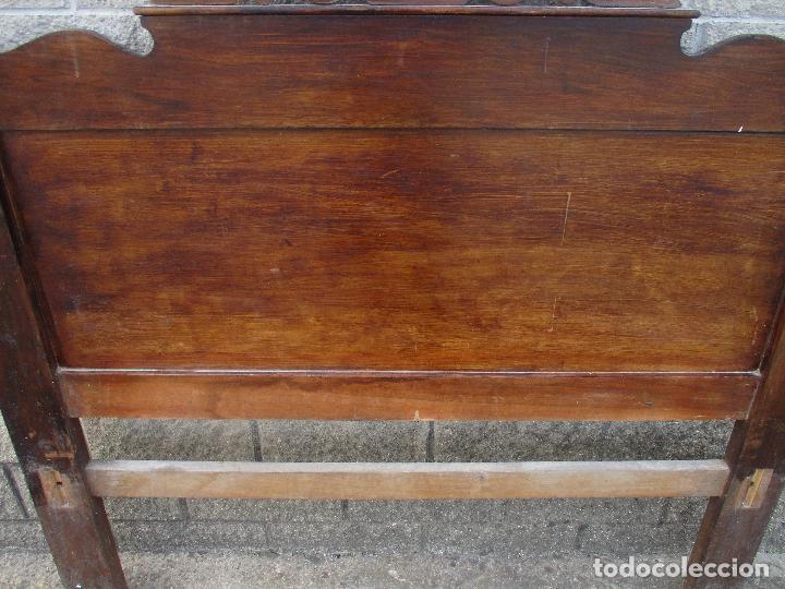 Antigüedades: Pareja de Cabezales de Cama - Isabelinos - Cabezal - Madera de Nogal - Bonitas Taraceas - S. XIX - Foto 26 - 136660630