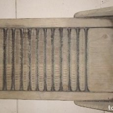 Antigüedades: ANTIGUA TABLA DE LAVAR LA ROPA A MANO DE MADERA. Lote 92840010