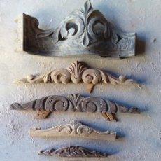 Antigüedades: LOTE DE 8 ANTIGUAS TALLAS DE MADERA, PENACHOS. Lote 92854555