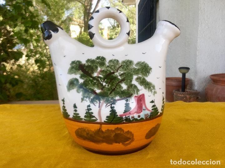 Antigüedades: Botijo loza ceramica valencia manises pintado a mano paisaje barraca forma gallina 1960 - Foto 2 - 92873930
