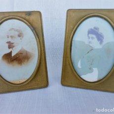 Antigüedades: 2 ANTIGUOS PORTAFOTOS EN BRONCE CON FOTOGRAFIAS ORIGINALES DE ALBÚMINA DE FINALES DEL XIX. Lote 92876420