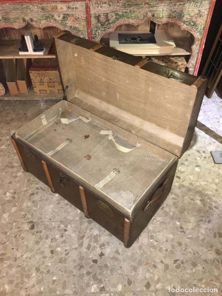 Antigüedades: baúl antiguo arcón de viaje cartone madera y bronce - Foto 7 - 92891747