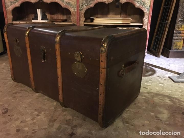 Antigüedades: baúl antiguo arcón de viaje cartone madera y bronce - Foto 2 - 92891747