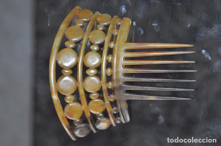 PEINA , PEINETE TALLADA EN ASTA DEL S. XIX (Antigüedades - Moda - Peinetas Antiguas)