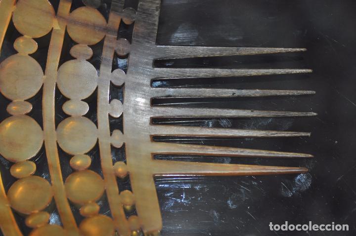 Antigüedades: PEINA , PEINETE TALLADA EN ASTA DEL S. XIX - Foto 5 - 116849403
