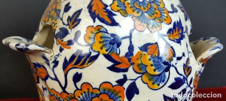 Antigüedades: PAREJA DE JARRONES. CERÁMICA CATALANA ESMALTADA. SIGLO XIX-XX. - Foto 8 - 92967090