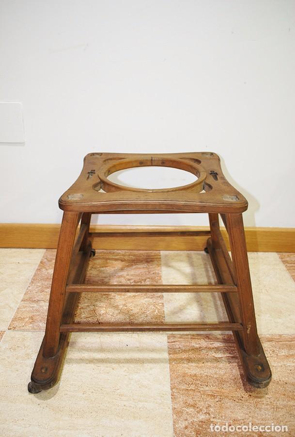 Antigüedades: TRONA INFANTIL ANTIGUA DE MADERA - Foto 7 - 93025470