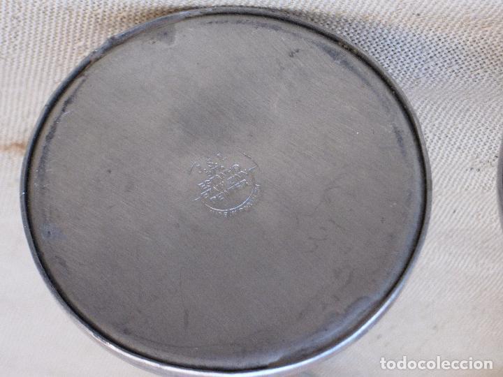 Antigüedades: PAREJA DE PORTAVELAS EN MADERA Y METAL. - Foto 5 - 93119160
