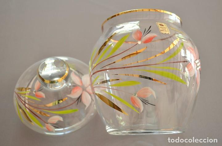 BOMBONERA DE CRISTAL DECORADO Y FIRMADO (Antigüedades - Cristal y Vidrio - Baccarat )