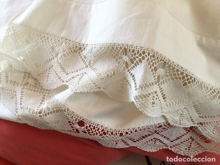 Antigüedades: Funda de almohada. Almohadón. Siglo XIX. Bordados. Único. Fotos - Foto 13 - 93234760