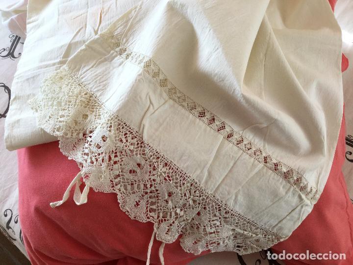Antigüedades: Funda de almohada. Almohadón. Bordados. Siglo XIX. Único. Iniciales bordadas - Foto 5 - 93235200
