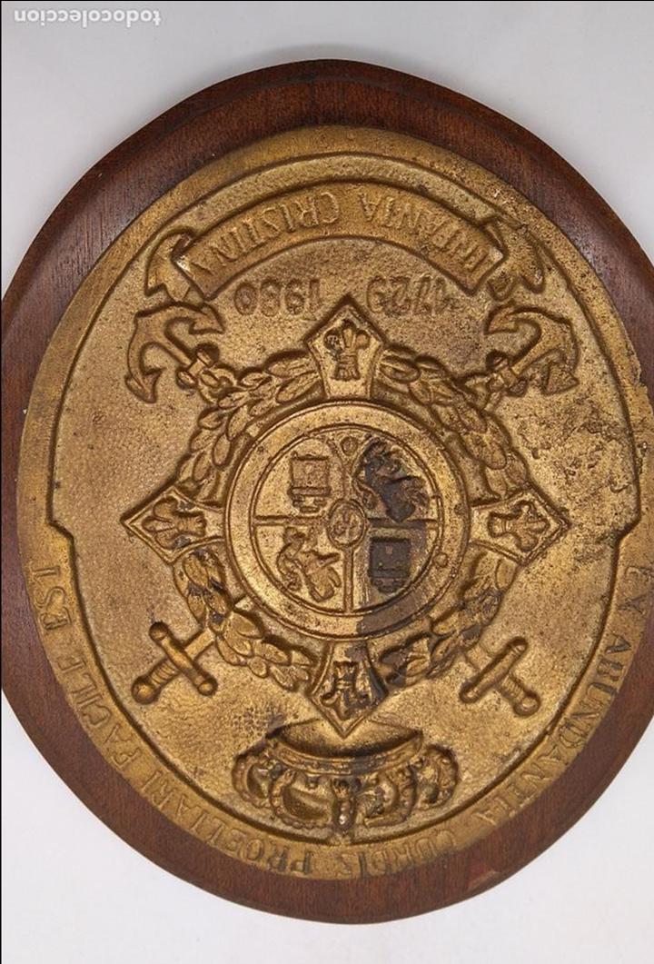 Antigüedades: Antigua metopa militar de gran calidad de bronce y madera INFANTA CRISTINA. - Foto 2 - 93240195