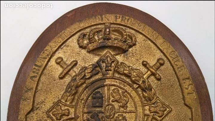 Antigüedades: Antigua metopa militar de gran calidad de bronce y madera INFANTA CRISTINA. - Foto 3 - 93240195