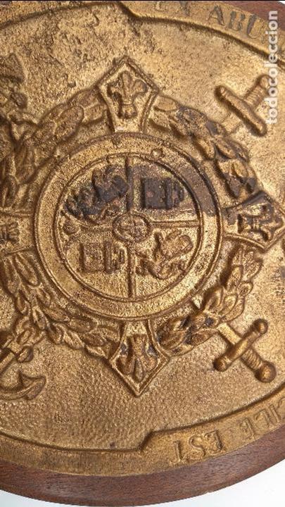 Antigüedades: Antigua metopa militar de gran calidad de bronce y madera INFANTA CRISTINA. - Foto 5 - 93240195